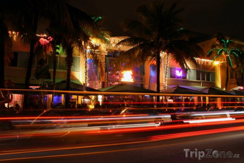 Fotka, Foto Ocean Drive v noci (Miami, USA)