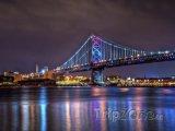 Osvětlený Benjamin Franklin Bridge