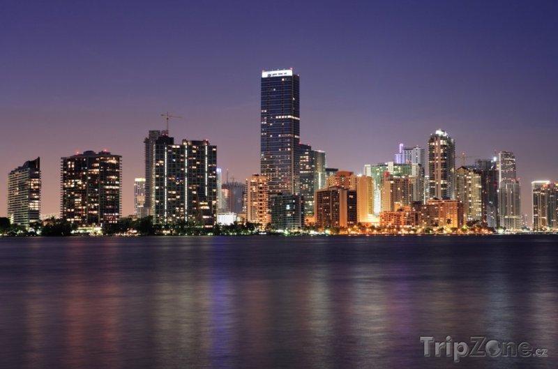 Fotka, Foto Panorama centra za soumraku (Miami, USA)