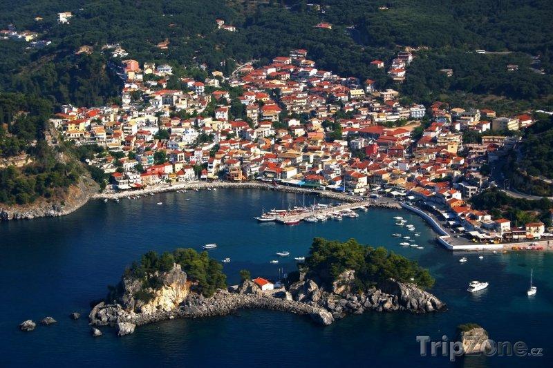 Fotka, Foto Panorama města Parga (Řecko)