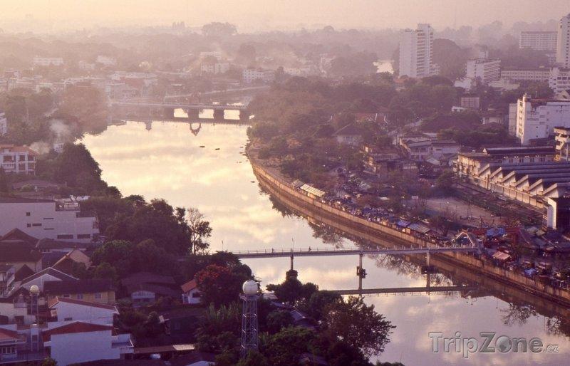 Fotka, Foto Panorama města s řekou Ping (Chiang Mai, Thajsko)