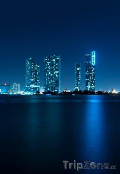 Fotka, Foto Panorama Miami v noci (Miami, USA)