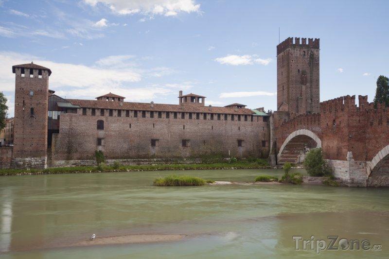 Fotka, Foto Scaligerský hrad (Verona, Itálie)