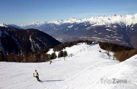 Sjezdovka v lyžařském středisku Aprica
