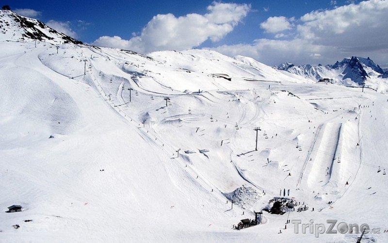 Fotka, Foto Sjezdovky nad vesnicí Valmeinier