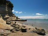 Skalnaté pobřeží na Eastern Beach