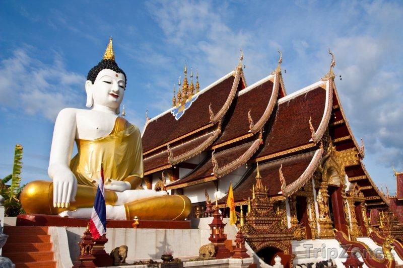 Fotka, Foto Socha buddhy u chrámu (Chiang Mai, Thajsko)