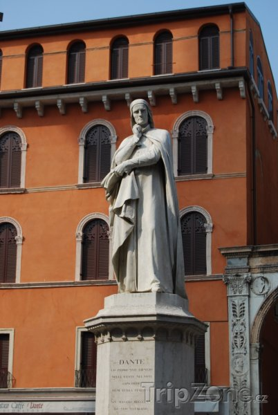 Fotka, Foto Socha slavného básníka Dante Alighieriho (Verona, Itálie)
