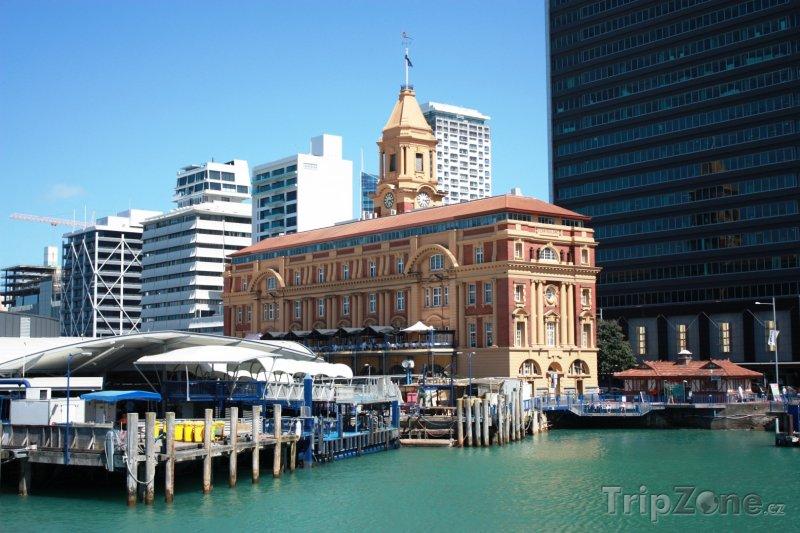 Fotka, Foto Správní budova aucklandského přístavu (Auckland, Nový Zéland)