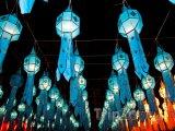 Tradiční thajské lampy v ulicích města