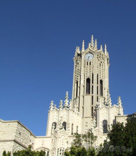 Fotka, Foto University of Auckland, hodinová věž (Auckland, Nový Zéland)