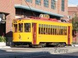 Yborg City, tramvaj před továrnou na doutníky