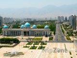 Ašchabat, pohled na hlavní náměstí