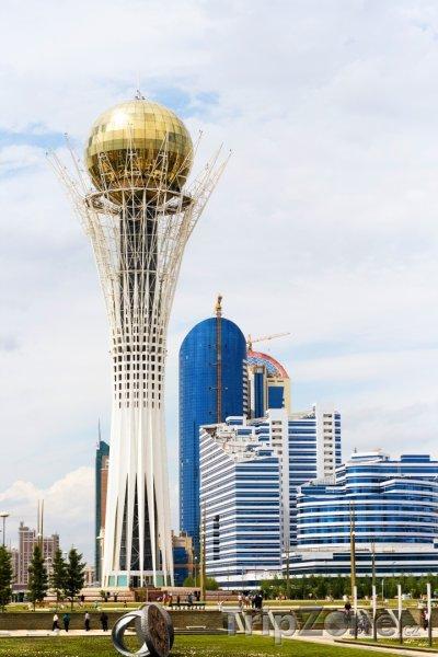 Fotka, Foto Astana, vyhlídková budova Bayterek (Kazachstán)