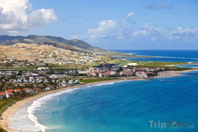 Fotka, Foto Basseterre, pohled na pobřeží (Svatý Kryštof a Nevis)