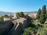 Hrad Gibralfaro, hradby