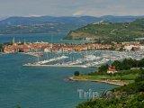 Izola, pohled na přístav