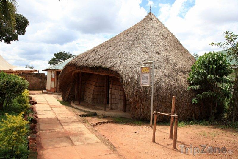 Fotka, Foto Kampala, hrobky bugandských králů v Kasubi (Uganda)