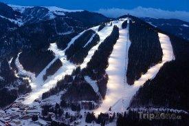 Lyžařské středisko Zauberberg v noci