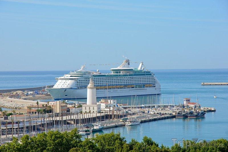 Fotka, Foto Málaga, výletní loď v přístavu (Málaga, Španělsko)