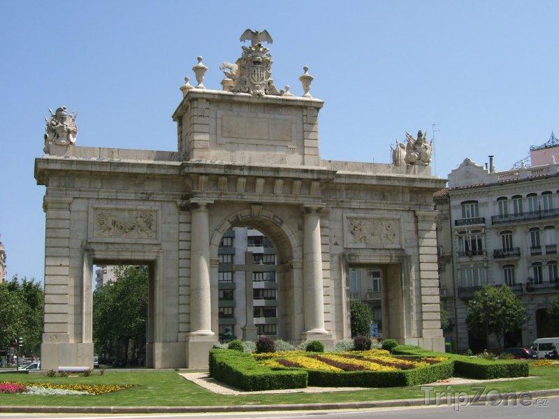 Fotka, Foto Náměstí Plaça de l'Ajuntament (Valencie, Španělsko)