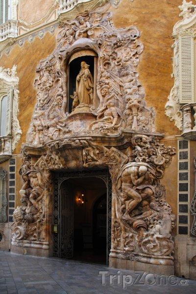 Fotka, Foto Palacio del Marques de Dos Aguas (Valencie, Španělsko)