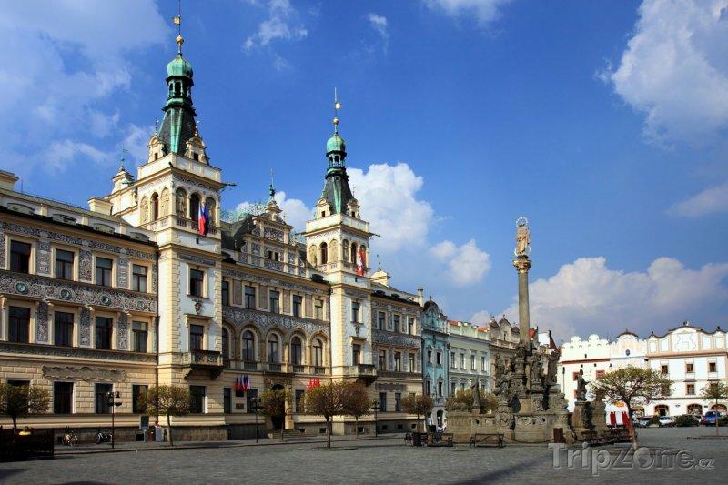 Fotka, Foto Pardubice, radnice na Perštýnském náměstí (Česká republika)