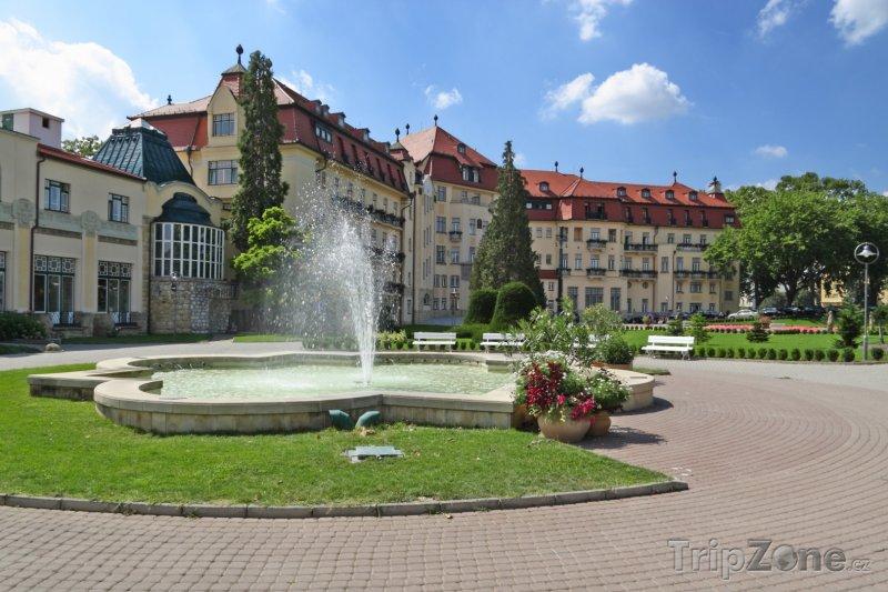 Fotka, Foto Piešťany, fontána v parku (Slovensko)