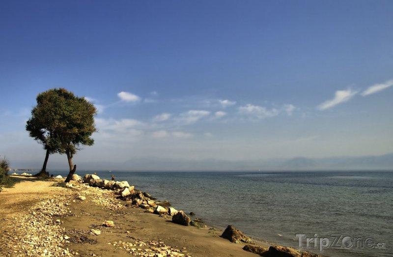Fotka, Foto Pobřeží letoviska Roda (Řecko)