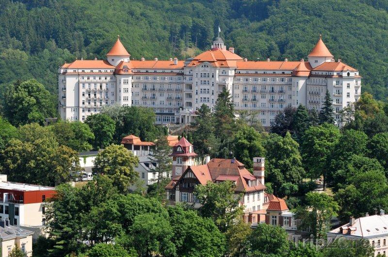 Fotka, Foto Pohled na hotel Imperial (Karlovy Vary, Česká republika)