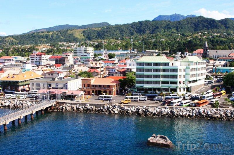 Fotka, Foto Roseau, pohled na centrum města (Dominika)