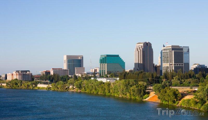 Fotka, Foto Sacramento, řeka Sacramento (USA)