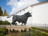 Socha býka na Plaza de Toros