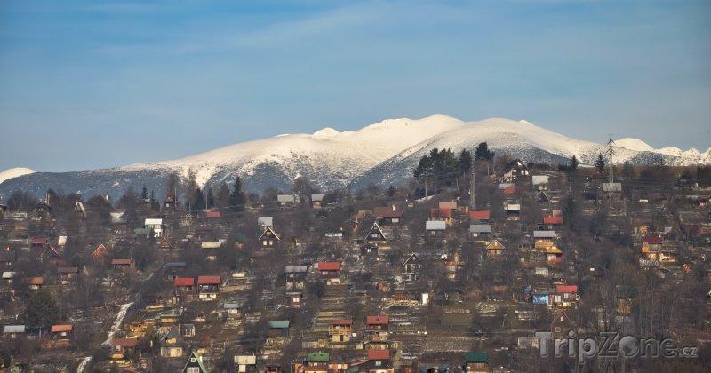 Fotka, Foto Tatry v pozadí Liptovského Mikuláše (Slovensko)