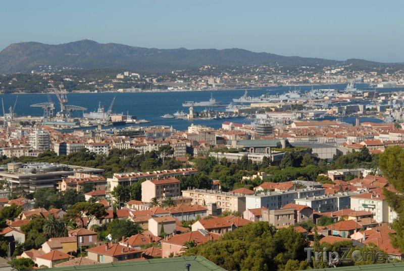 Fotka, Foto Toulon, pohled na základnu vojenského námořnictva (Francie)