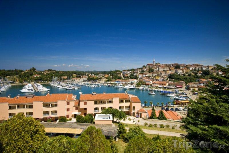 Fotka, Foto Vrsar, pohled na přístav (Chorvatsko)