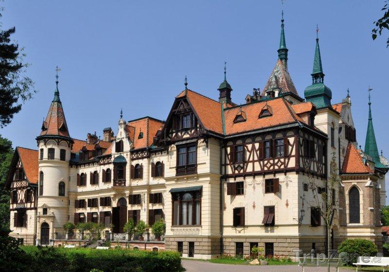 Fotka, Foto Zámek Lešná u Zlína (Česká republika)