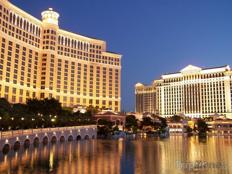 Fotka, Foto Casino Bellagio a Caesars Palace (Las Vegas, USA)