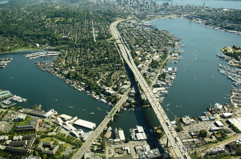 Fotka, Foto Dálnice Interstate 5 přes jezero Union (Seattle, USA)