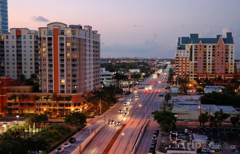 Fotka, Foto Dálnice Interstate 95 v centru města (Fort Lauderdale, USA)