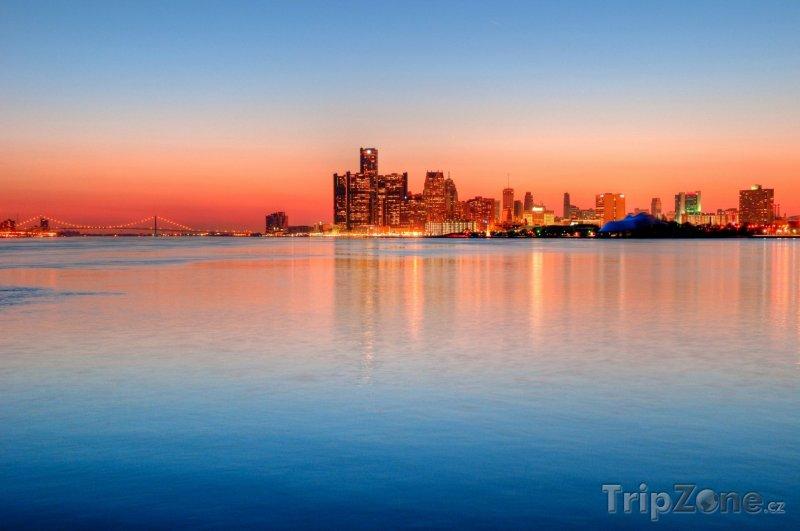 Fotka, Foto Detroit v západu slunce (Detroit, USA)