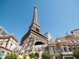 Eiffelova věž u hotelu Paris