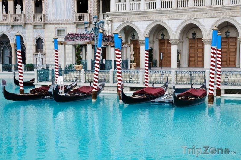 Fotka, Foto Gondoly v casinu Venetian (Las Vegas, USA)