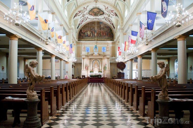Fotka, Foto Interiér katedrály svatého Ludvíka (New Orleans, USA)