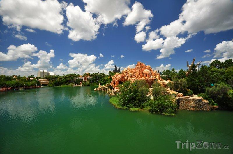 Fotka, Foto Jezero v Universal Orlando Resort (Orlando, USA)