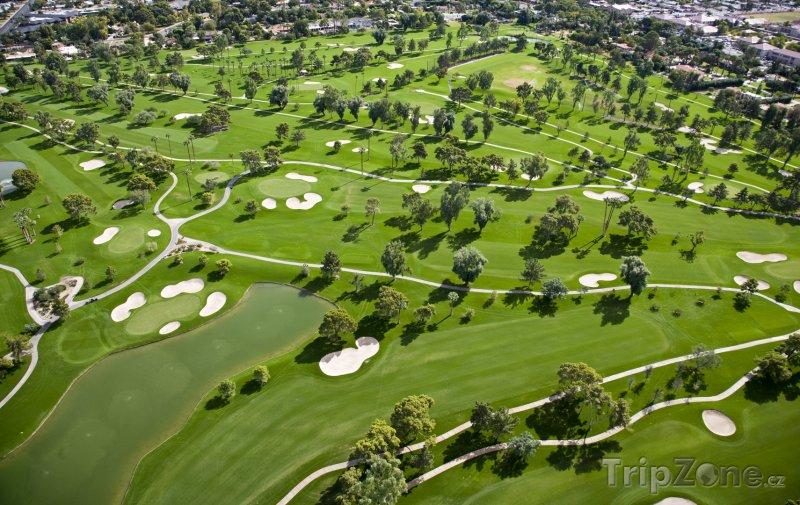 Fotka, Foto Letecký pohled na golfové hřiště (Phoenix, USA)