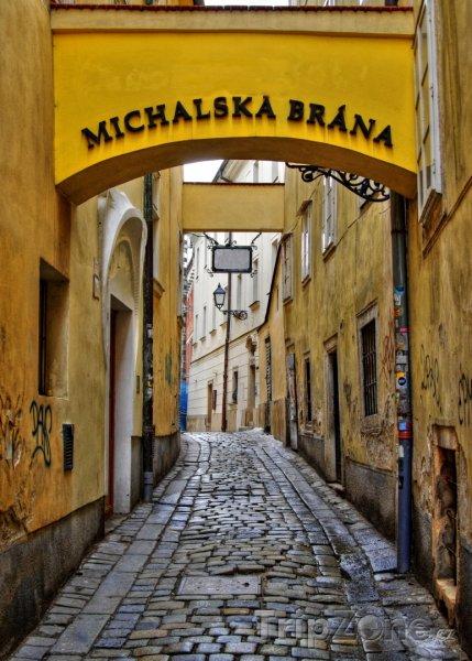 Fotka, Foto Michalská brána na Starém Městě (Bratislava, Slovensko)