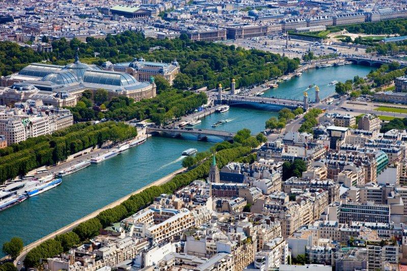 Fotka, Foto Pohled na Seinu z Eiffelovy věže (Paříž, Francie)