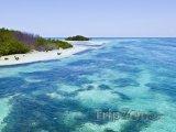 Průzračné moře u pobřeží
