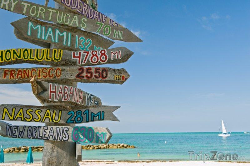 Fotka, Foto Rozcestník na pláži (Key West, USA)